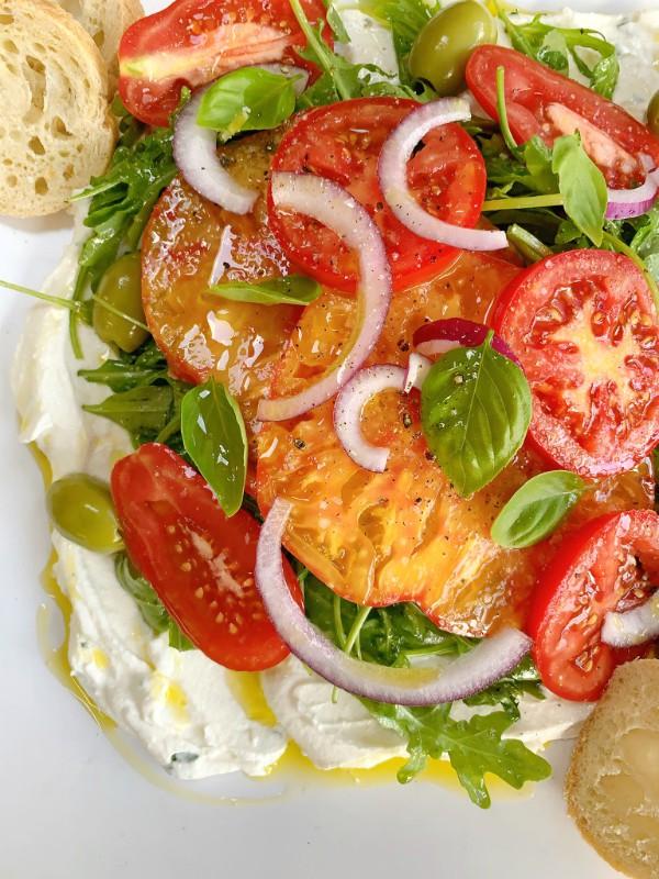 tomates et ricotta fouettée