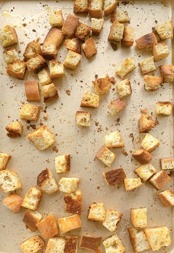 """croutons """"width ="""" 600 """"height ="""" 871 """"srcset ="""" https://www.allo-pizza-service.fr/wp-content/uploads/2020/12/croutons.jpg 600w, https://www.prouditaliancook.com/ wp-content / uploads / 2020/11 / croutons-207x300.jpg 207w """"tailles ="""" (largeur maximale: 600px) 100vw, 600px"""