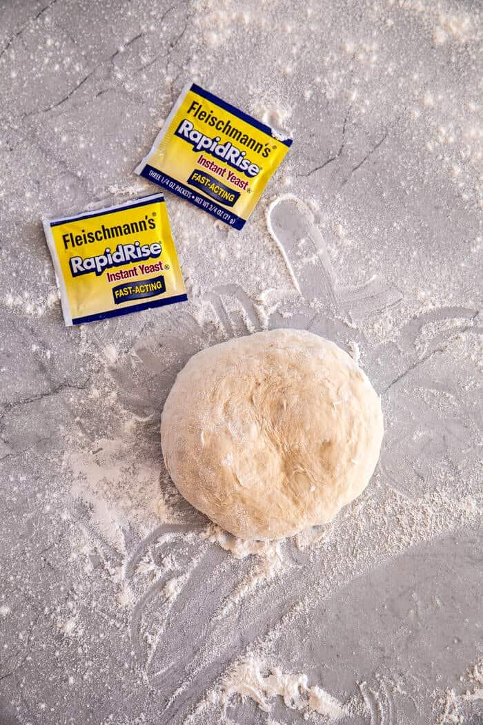 préparation photo de pâte à pizza