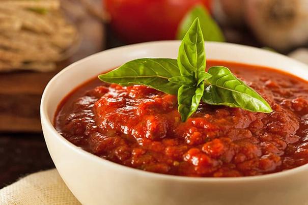 Le ragù napolitain est une sauce qui doit être cuite pendant de nombreuses heures