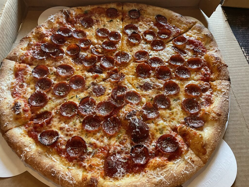 Pizza au pepperoni chez Pizza Mamo