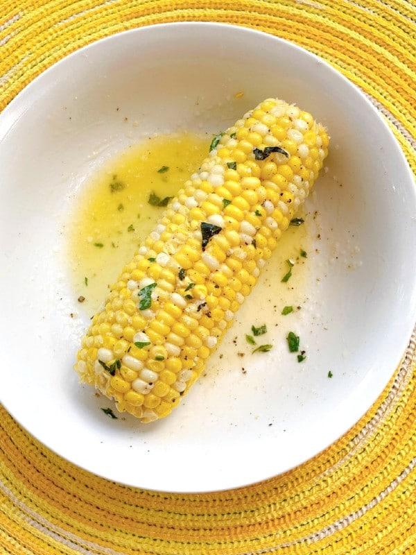 maïs beurré aux herbes