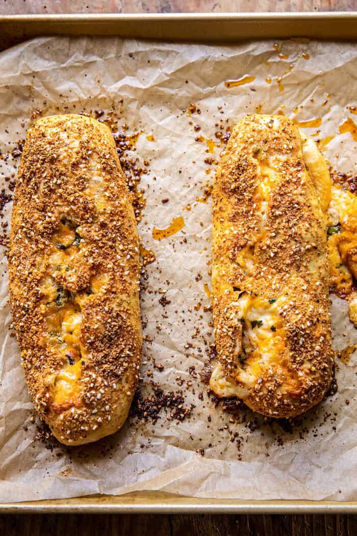 Strombolis de poulet Buffalo au fromage |  halfbakedharvest.com